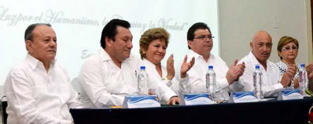 … Rindió Protesta como Presidenta del Colegio de Profesionales de Enfermería de Yucatán, A.C., el pasado 9 de enero, la M.C.E. Lourdes J. Yam Quijano. La Ceremonia fué Presidida por […]
